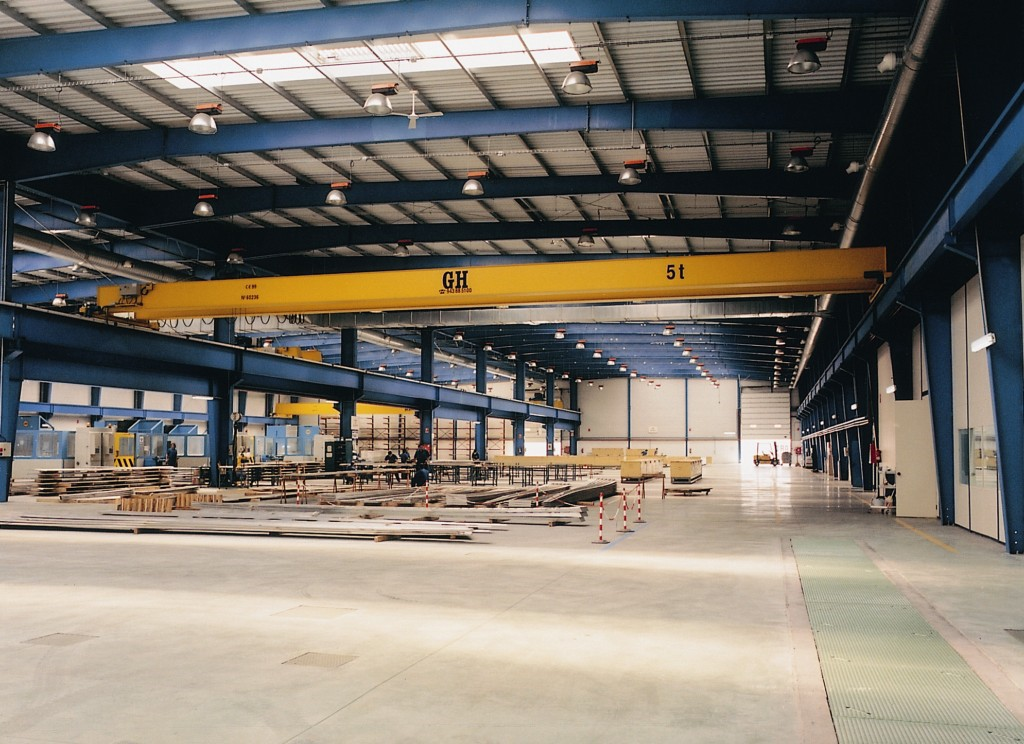 Nave industrial a medida con puente grúa