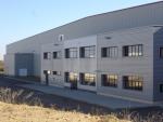Nave industrial de grandes luces con núcleo de oficinas - 6000 m2 en Zaragoza