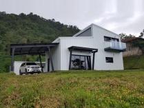 Vivienda prefabricada metálica. 140m2 Matagalpa (Nicaragua)