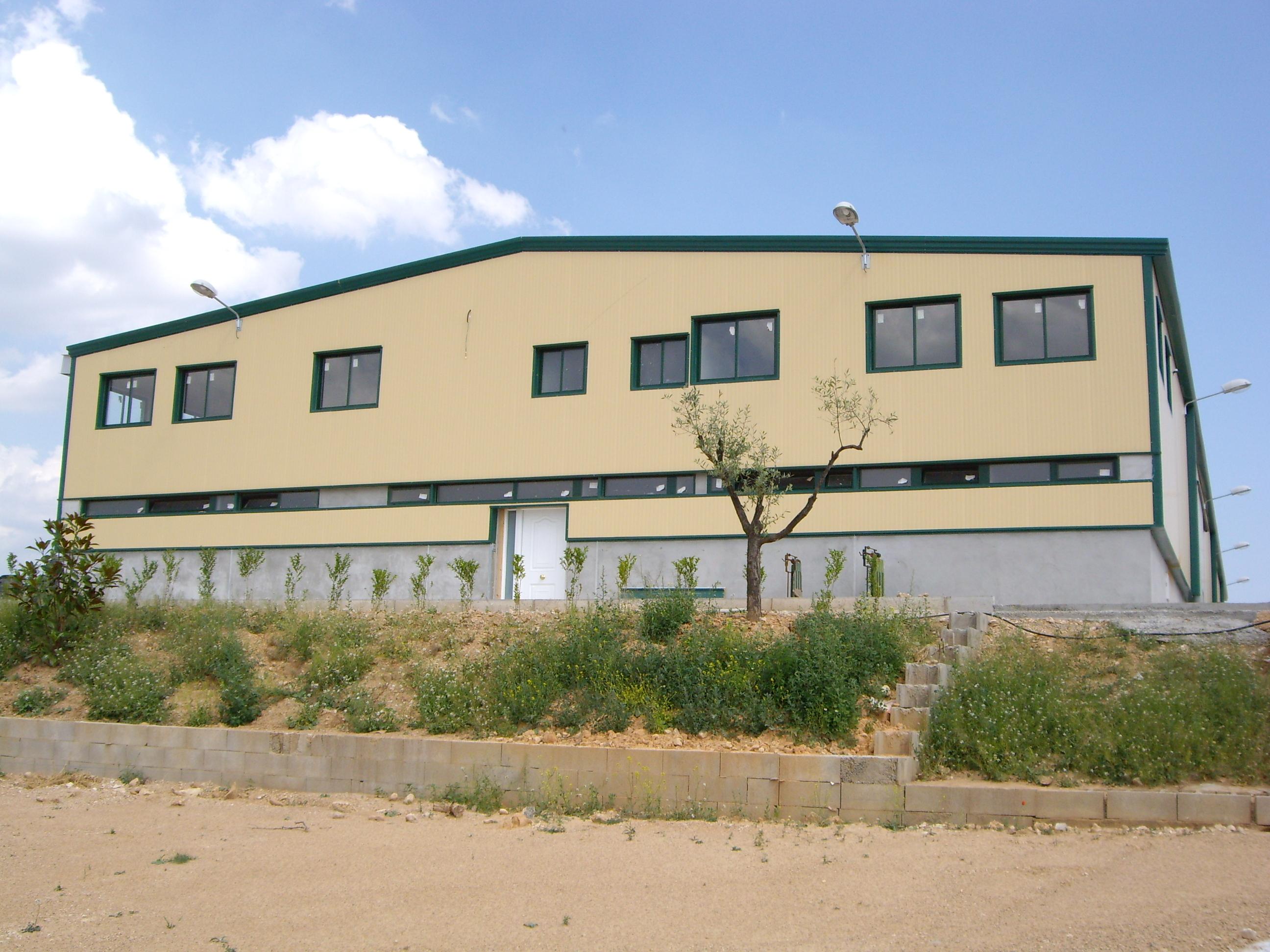 Bâtiment agricole ECORAPID. Structure métallique demontable.