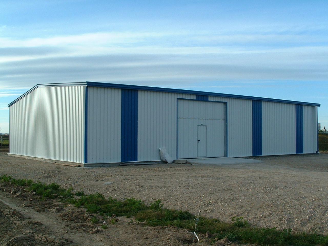 Nave almacén agrícola ECORAPID. Estructura metálica modular de acero y fachadas en chapa