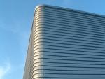 Estructura metálica modular de nave prefabricada - 100% atornillada y desmontable. Detalle de fachada.