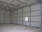 Montaje de estructura metálica modular PLENAVE - 100% desmontable.Sencilla solera.