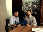 Carlos Borao (Director de Exportación de CUALIMETAL) y Eduardo Tejera (Presidente Ejecutivo de SOFISA) durante la firma del acuerdo el pasado mes de marzo en Santo Domingo (República Dominicana). -