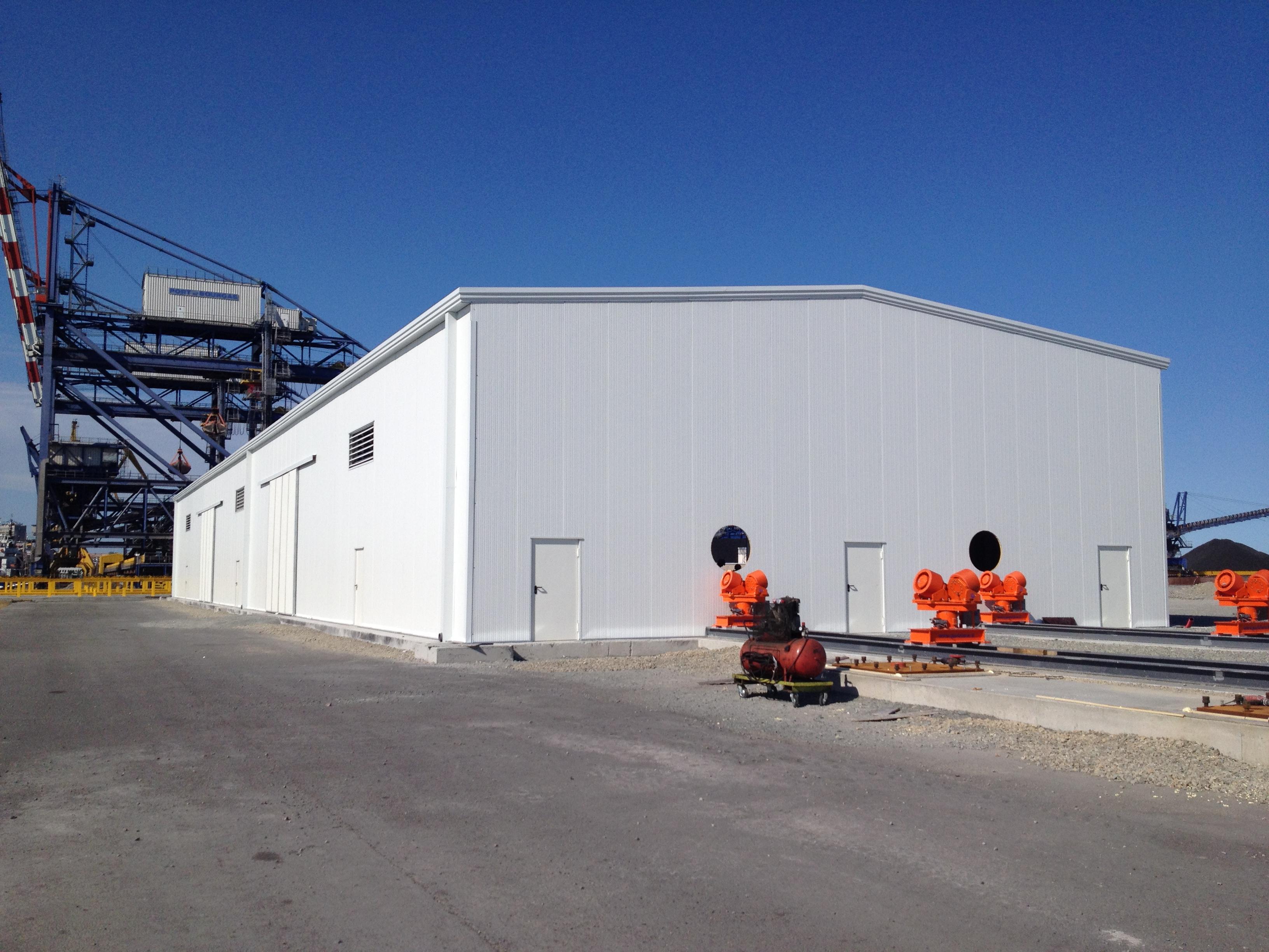 Hangar industriel prefabriqué